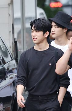 A very sexy grandpa looking JB in the background. Got7 Jinyoung, Youngjae, Bambam, Park Jinyoung, Kim Yugyeom, Mark Jackson, Got7 Jackson, Jackson Wang, Got7 Junior