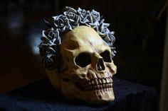 Sieh dir dieses Produkt an in meinem Etsy-Shop https://www.etsy.com/de/listing/506196295/devils-rose-headdress-gothic-headdress