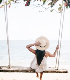 Beach Swing on Oahu | Beach Swing in Lai'e | Weekend Goals | Beach Swing | Dream Vacation | Straw Boater Hat | Travel Bloggers | Travel Blogger's Guide to Oahu via @elanaloo + elanaloo.com
