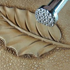 Leather Stamping Tool - Large Pebble Matting Texture