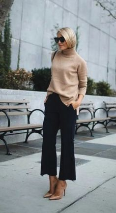 40 Trending Work Outfits To Wear This Fall - Wass Sell Outfits 2019 Outfits casual Outfits for moms Outfits for school Outfits for teen girls Outfits for work Outfits with hats Outfits women Casual Work Outfits, Winter Outfits For Work, Business Casual Outfits, Mode Outfits, Work Attire, Work Casual, Casual Summer, Casual Fall, Brown Pants Outfit For Work