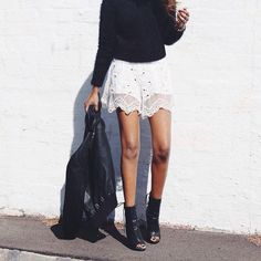 Outfits-Details IG Too short for me .but I love the look! Rock Style, Style Me, Spring Summer Fashion, Winter Fashion, Rocker, Sweater And Shorts, Lace Sweater, Mode Inspiration, Passion For Fashion