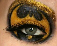 Girl geek chic, batman eye shaddow