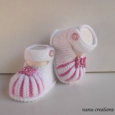 Discover thousands of images about Şerife Şenel Knitting For Kids, Baby Knitting Patterns, Crochet For Kids, Baby Patterns, Knitting Projects, Hand Knitting, Free Crochet, Baby Shoes Pattern, Booties Crochet