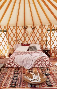 i want a yurt! well, i want a piece of land in the desert, a wee house and a yurt! i am psyched for my trip to el capitan this weekend to check out their yurt in person. Yurt Interior, Interior Exterior, Home Interior Design, Yurt Living, Tiny Living, Yurt Home, Rooms Ideas, Bedroom Ideas, Cozy Cabin
