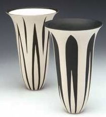 Penny Fowler-these look like porcelain. Ceramic Clay, Ceramic Painting, Ceramic Artists, Ceramic Pottery, Pottery Art, Pottery Workshop, Terracota, Art Nouveau, Handmade Pottery