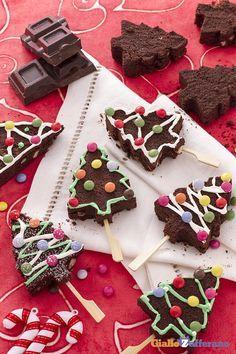 Gli ALBERI DI #NATALE BROWNIES (Christmas tree brownies) sono dei deliziosi…