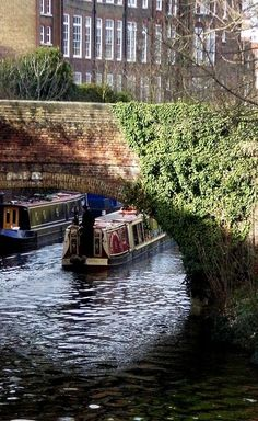The crazy, kooky buzz of Camden town is well worth a visit...but head down onto the towpath to explore Regent's canal and the local villages. (photo via coastpaul on Pinterest)