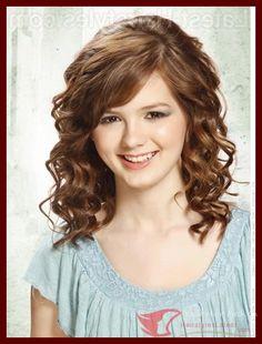 nice Chic Medium Hairstyles For Girls with Curly Hair , #BeatifulcasualandpartyCurlyHairstyle #Chicbobcuttingcurlyhair #NewwavycurlsForGirlsMediumHairstyle #Populareasieststyleofcurlyhair #TrendMediumHairstylesforGirls
