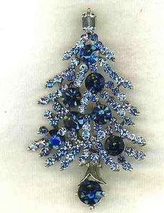 Beautiful Lisner Christmas Tree Brooch