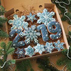 Cookies Decorated Ideas Snowflake Ideas Cookies Decorated … – The Best Christmas Cookies Cute Christmas Cookies, Iced Cookies, Christmas Sweets, Christmas Cooking, Royal Icing Cookies, Cookies Et Biscuits, Holiday Cookies, Cupcake Cookies, Reindeer Cookies