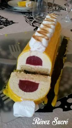 Christmas Yule Log Lemon mousse, madeleine biscuit and olive oil, strawberry-rose insert and ivory glaze. Cake Roll Recipes, Easy Cupcake Recipes, Cake Recipes From Scratch, Dessert Cake Recipes, Homemade Cake Recipes, Cheesecake Mousse Recipe, Chocolate Mousse Cheesecake, Easy Cheesecake Recipes, Mousse Cake