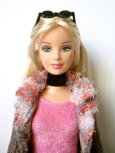 barbie_ffgreyjacket_H0645_pic01.jpg (375×500)