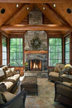 50 Exotic Traditional Fireplace Cabin To Create A Romantic Atmosphere In Your Home Beautiful Interior Design, Beautiful Interiors, Decor Interior Design, Style At Home, Screened In Porch Furniture, Screened Porches, Cabin Furniture, Western Furniture, Furniture Design