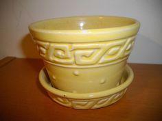 VIntage McCoy Flower pot - small window ledge piece - Authentic