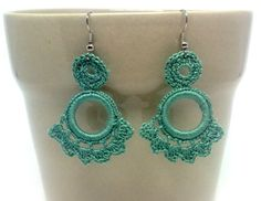 Green floral crochet earrings. Andalucia flamenco style. Hand knitted jewellery. Unique gift. Acrylic hoop. Gypsy earrings. Textil jewellery