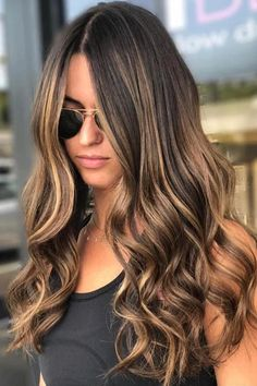 Balayage is suitable for light and dark hair, almost all lengths except very short haircuts. Today I want to show you the most popular Brunette Balayage Hair Color Ideas. Balayage has become the biggest trend in recent seasons, and it's not over yet. Bronde Hair, Hair Color Balayage, Short Balayage, Balayage Hair Brunette Caramel, Caramel Balayage Highlights, Brown Balayage, Caramel Ombre Hair, Balayage Brunette To Blonde, Caramel Blonde