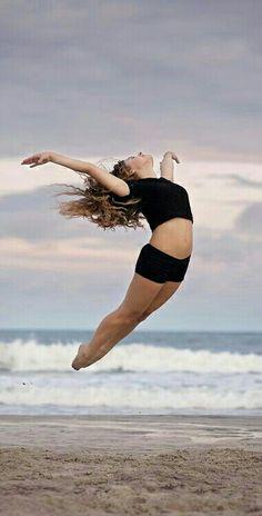 Beach dance photography myrtle beach photography dance, ballet dance и Beach Dance Photography, Portrait Photography, Creative Dance Photography, Contemporary Dance Photography, Dance Pictures, Beach Pictures, Dance Jumps, Dance Photo Shoot, Dance Poses