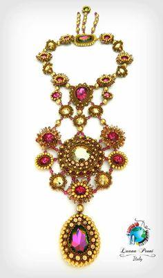 "BATTLE OF THE BEADSMITH 2014 https://www.facebook.com/groups/419636224777912/ Luana Proni: ""Lady Marmelade"" Model: Stefania Proni  https://www.facebook.com/photo.php?fbid=10152134550535079"