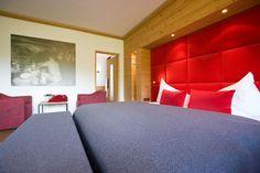 Wohnen auf 45 qm im Hotel Sportalm Bed, Furniture, Home Decor, Homes, Homemade Home Decor, Stream Bed, Home Furnishings, Interior Design, Beds