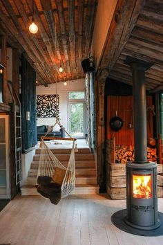 Best Modern Cabin Interior Design Ideas is part of - Modern Cabin Interior Talking about the aesthetics of logs converted into beautiful homes Make anyone who lives inside will feel comfortable Modern Cabin Interior, Cabin Interior Design, Modern Cabin Decor, Cabin Design, Small Cabin Interiors, Modern Cabins, Room Interior, Wood House Design, House Paint Interior