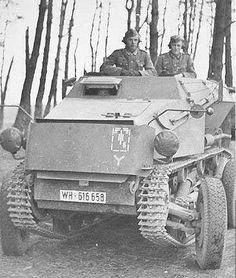 Ce Saurer RK-7 est ici photographié en configuration route au sein de la 7. Panzer-Division.