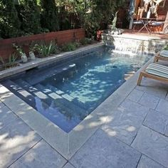 A spool is a combination spa and pool that can make a great backyard DIY project. The spool is an economic way to get the best of a pool and spa. Small Swimming Pools, Small Pools, Swimming Pools Backyard, Swimming Pool Designs, Pool Spa, Lap Swimming, Small Backyards, Small Yards With Pools, Dyi Pool