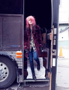 because she's epic. the kills . the dead weather . discount other alison mosshart sites formspring i do not claim ownership of. Alison Mosshart, Rock Chic, Rock Style, Style Me, Glam Rock, Thing 1, Grunge Hair, Queen, Fashion Outfits