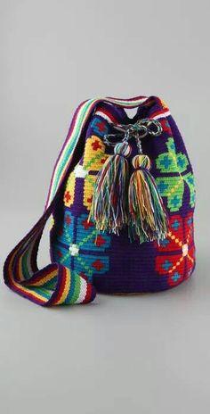 Mochila. Tapestry Bag, Tapestry Crochet, Diy Sac Pochette, Mochila Crochet, Bag Pattern Free, Crochet Purses, Cute Bags, Bead Crochet, Knitted Bags