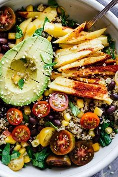 This Chili Mango Zesty Quinoa Salad is gluten free vegan and perfect for hot summer weather! Make this in 30 minutes or less This Chili Mango Zesty Quinoa Salad is gluten free vegan and perfect for hot summer weather! Make this in 30 minutes or less Healthy Salad Recipes, Whole Food Recipes, Vegetarian Recipes, Cooking Recipes, Vegan Vegetarian, Paleo, Vegan Chili, Diet Recipes, Vegan Food