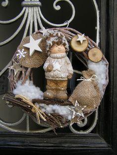 Best 9 Kúpili len holý kruh z prútia za pár drobných: Keď uvidíte tie úžasné n – SkillOfKing. Christmas And New Year, Vintage Christmas, Xmas, Christmas Wreaths, Christmas Crafts, Christmas Decorations, Home Crafts, Diy And Crafts, Couronne Diy
