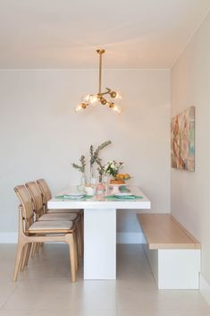 Cozy Round Small Dining Room Decor Ideas for Small Space - Home Style Kitchen Decor, Dining Room Design, Home Decor Kitchen, Dining Room Decor, House Interior, Small Dining Room Decor, Dining Room Small, Small Dining Table, Home Decor