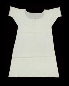 Woman's shift; Woman's chemise. American, early 19th century. In the Museum of Fine Arts Boston.