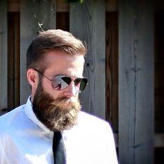 Get your beard shaped like him @ www.razette.com