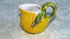 Kleiner Krug, Creamer, Pitcher, Zitrone-Form, gelb, Orange, grün, Keramik, Majolika Art Glasur, Epsteam, UK, EtsyEUR, TEMPT-Team