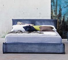 Would you like to have a bed padded in Jeans?Dido is the bed for you!