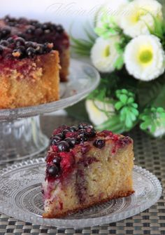 Торт из манки,кокосовой стружки и ягод: vitoria