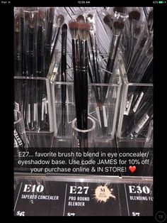 Kit to Recreate Vivalyn Look 01 - Cute Makeup Guide Eye Makeup Brushes, Makeup Dupes, Makeup Tools, Makeup Products, Beauty Products, Makeup To Buy, Kiss Makeup, Beauty Makeup, Beauty Tips