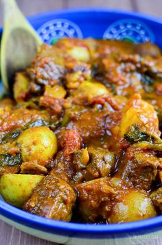 Slimming Slimming Eats Syn Free Beef and Potato Curry - gluten free, dairy free, Slimming World and Weight Watchers friendly Slimming World Dinners, Slimming World Recipes Syn Free, Slimming World Diet, Slimming Eats, Slimming Word, Curry Recipes, Beef Recipes, Cooking Recipes, Healthy Recipes