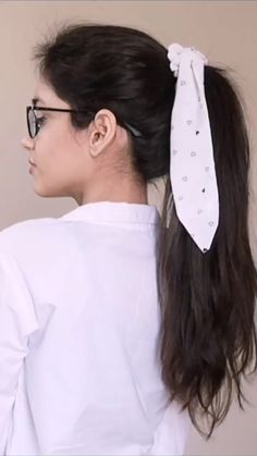 Diy Hair Scrunchies, Diy Hair Bows, Diy Fashion Hacks, Hair Up Styles, Diy Clothes, Sewing Clothes, Diy Headband, Diy Hair Accessories, Fashion Sewing