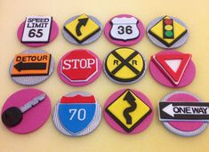 New Driver Road Signs Fondant Cupcake Toppers. by CherryBayCakes