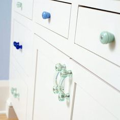 9 Misfit Knob Set Shabby Chic White Vintage Furniture Drawer Pulls Kitchen Cabinet Knobs Cupboard Hardware 4500 Via Etsy