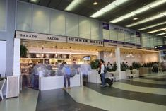Where to Eat at Chicago O'Hare International Airport (ORD) - Eater Chicago Great American Bagel, Garrett Popcorn Shops, Taco House, Thai Iced Coffee, Chicago Airport, O'hare International Airport, Airport Food, Pizza Express