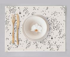Set of 4 placemats made of cotton with star print. Perpetual Birthday Calendar, Star Print, Print Print, Star Sky, How To Draw Hands, Handmade Gifts, Table Settings, Etsy, Table Decorations