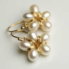 Pearl Flower Earrings Gold Filled Earrings by fussjewelry Pearl Earrings Wedding, Pearl Jewelry, Wire Jewelry, Jewelry Crafts, Beaded Jewelry, Handmade Jewelry, Gold Jewelry, Jewelry Ideas, Bridal Necklace