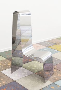 Tinted concrete tile by Pettersen Hein