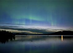Auroras boreales en Arjeplog Lapland, norte de Suecia.-
