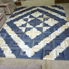 Ideas log cabin quilting designs color combinations for 2019 Patchwork Quilt, Bargello Quilts, Star Quilts, Mini Quilts, Quilt Top, Édredons Cabin Log, Log Cabin Quilts, Log Cabins, Rustic Cabins