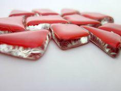 Pedras de vidro utilizadas para confecção de Mosaicos ,Bijuterias e/ou outras aplicações decorativas/ artesanais