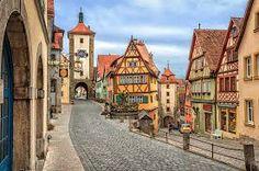 """Rothenburg ob der Tauber, Germany. Ainoa keskiaikainen kylä joka säilynyt kokonaan """"ehjänä"""". Todella idyllinen paikka. (toukokuu 2010)"""